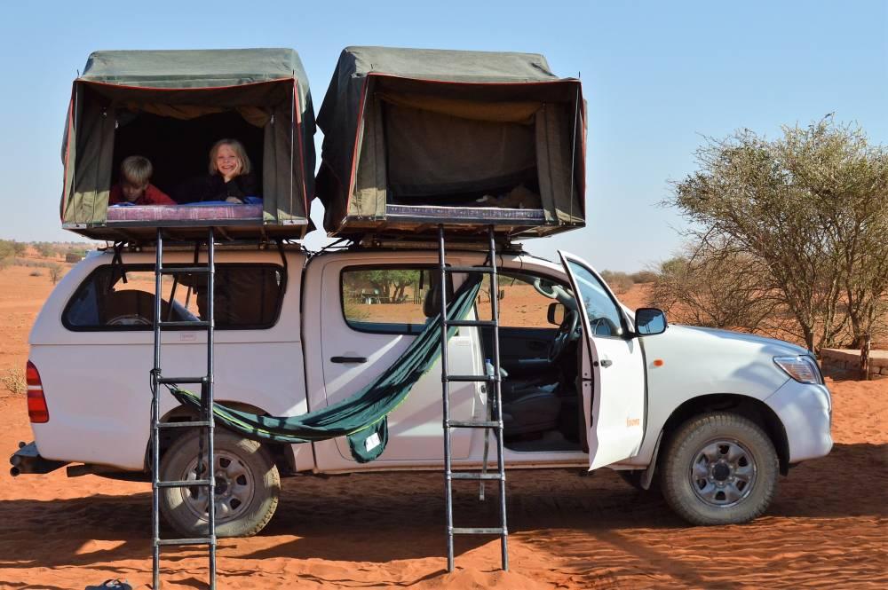 Namibia mit Kindern Jeep mit Dachzelt
