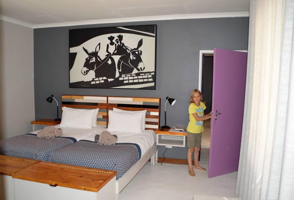 Namiba mit Kindern Damara Lodge